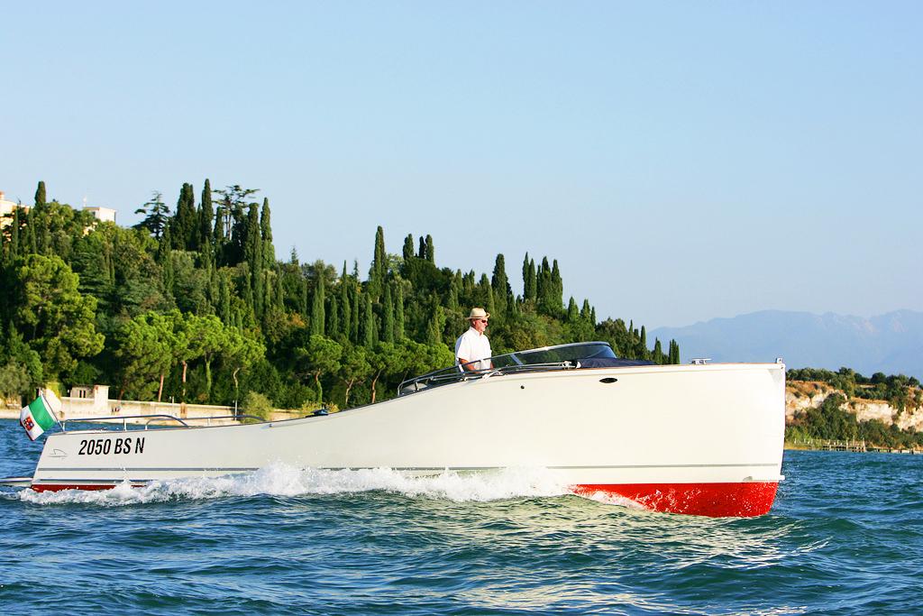 Лодка-такси Озеро Гарда