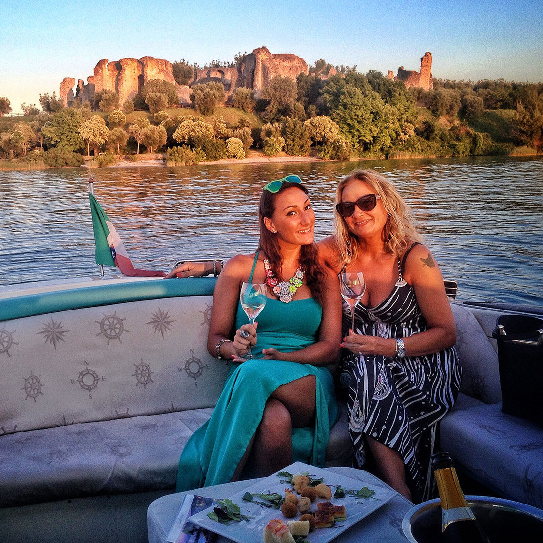 Aperitifs on a motorboat on Lake Garda