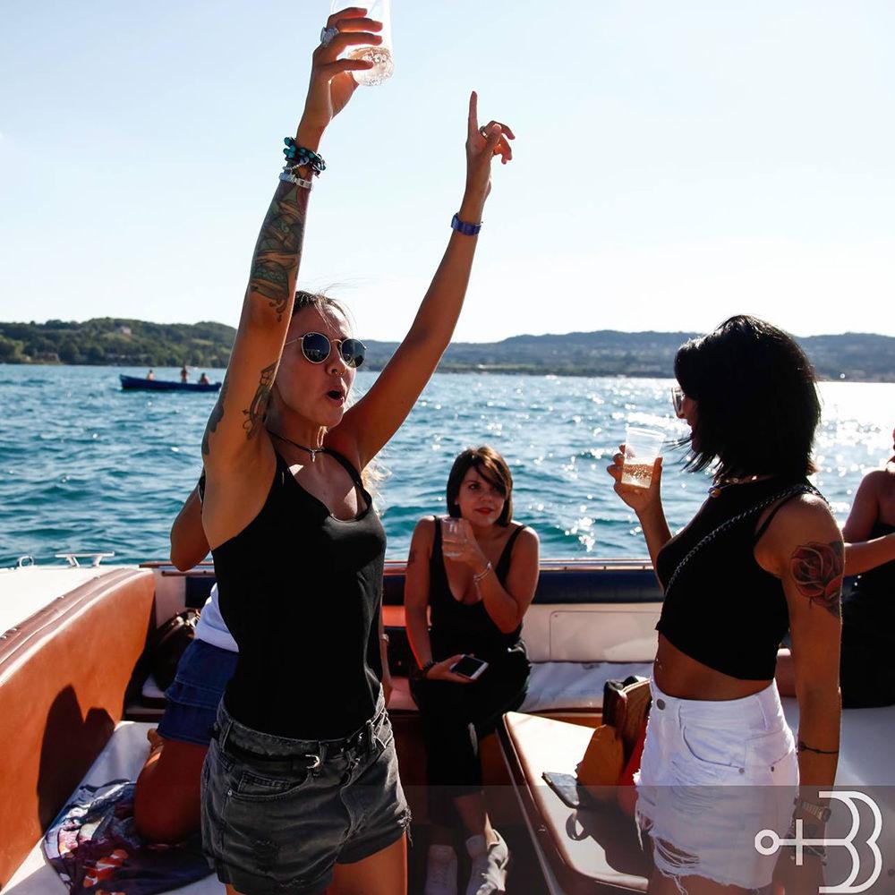Festa Di Compleanno In Motoscafo Sul Lago di Garda