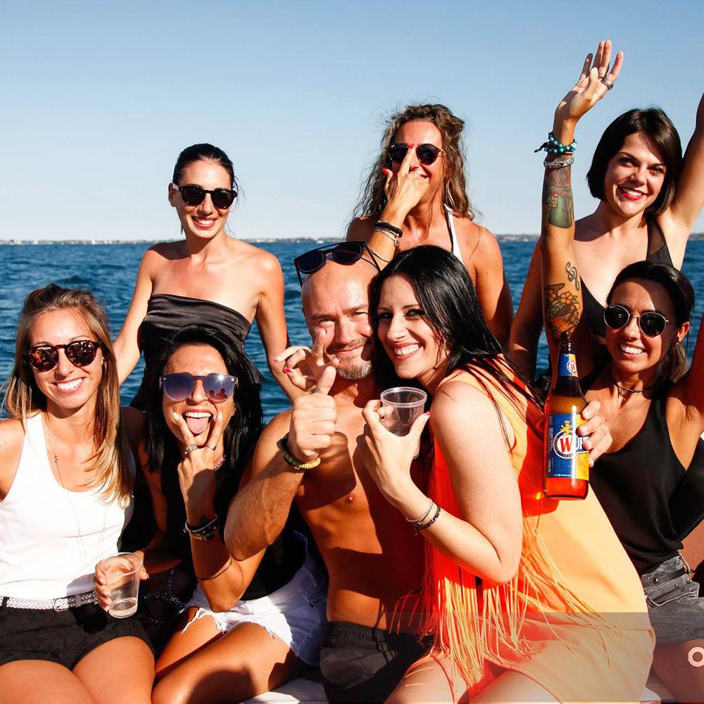 Bertoldi Boats: Festa Di Compleanno e Laurea In Barca Sul Lago Di Garda