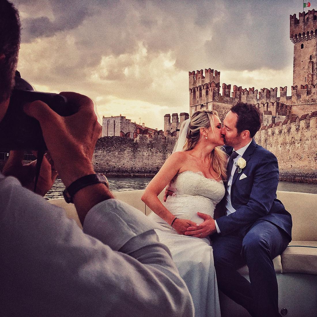 Servizio Fotografico Matrimonio In Barca Sul Lago di Garda