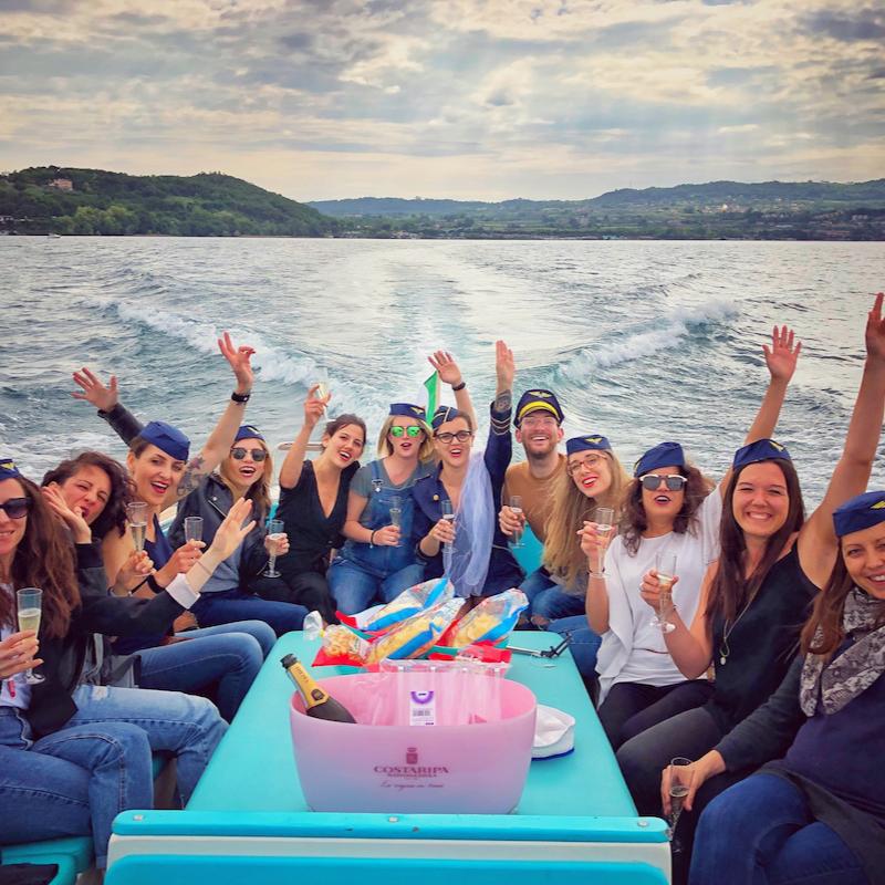 Festa Di Addio al Nubilato In Barca Sul Lago di Garda