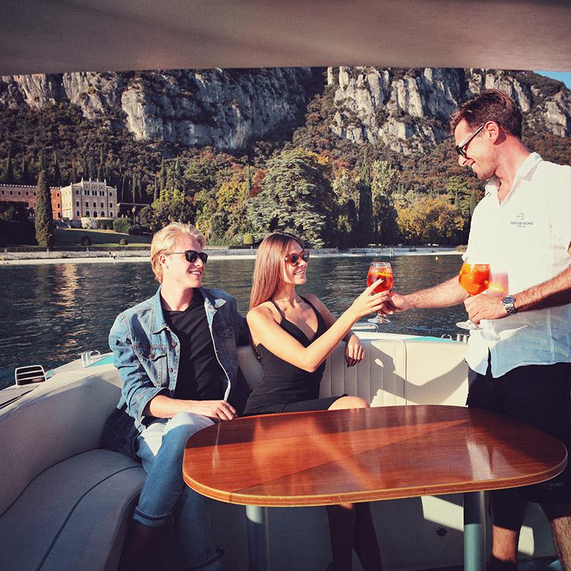 Aperitivo In Barca Sul Lago Di Garda
