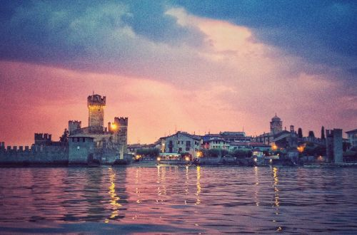 Apericena in Barca privata da Desenzano a Sirmione thumb